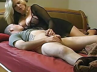 Mature wife loves anal - homemade anal blowjob mature