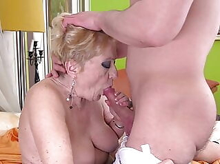 SHOCK CONTENT – Granny takes big young cock amateur blowjob bbw
