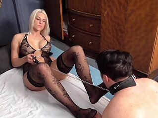 Glamour Girls And Boys Enjoy Foot Licking - Femdom Porn asian bdsm big tits
