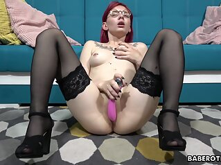 Redhead Nerdy In Stockings Masturbating hd solo female toys
